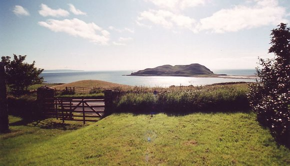 aa-a-davaar-island-view-old-steading3